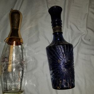 DECANTERS VERY OLD MINT CONDITION for Sale in Morris, IL