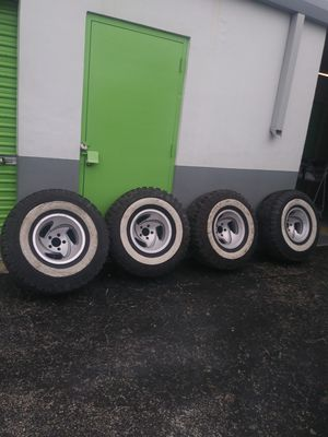 """⭐35/12.5/15 Tires & 5 Lugs -15"""" Rims & 2 inch lift kit⭐ MAKE AN OFFER ⭐ for Sale in Miami, FL"""