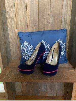 Blue Suede Heel with Hot Pink for Sale in Covington, GA