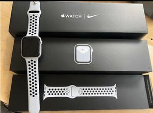 Apple Watch Series 5 44mm Nike for Sale in Fontana, CA
