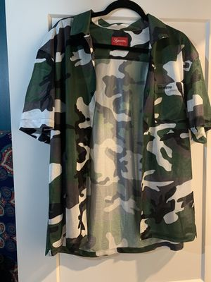 Supreme Camo Mesh S/S Shirt - GREEN (FW20) Size Medium 100% Authentic for Sale in Boston, MA