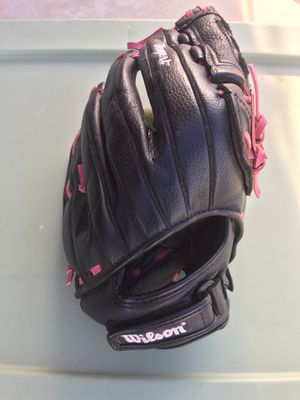 Wilson Softball Glove for Sale in Apple Valley, CA