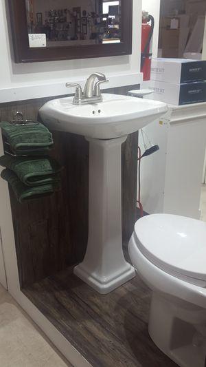 Pedestal sink for Sale in Orlando, FL