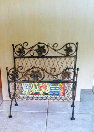 *REDUCED* Metal Leaf Wrought-Iron Magazine / Book Rack for Sale in Seminole, FL