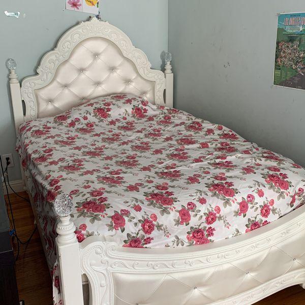Ashley Girls Bed Room Set