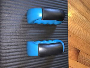 Two 2.5 Pound Hand Weights for Sale in Hilliard, OH