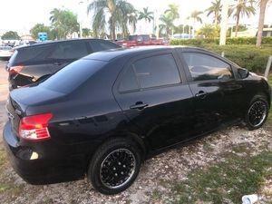 Toyota yaris for Sale in Miami, FL
