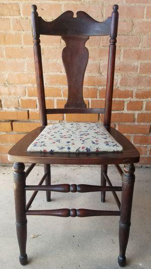 Antique chair for Sale in Tucson, AZ