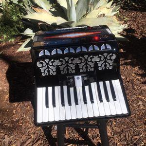 Piano Accordeon for Sale in San Diego, CA