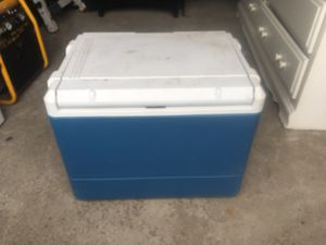 Cooler $10 for Sale in BRECKNRDG HLS, MO
