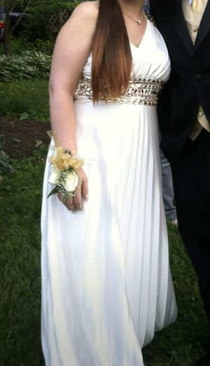 Prom dress - size 9 for Sale in Silver Spring, MD