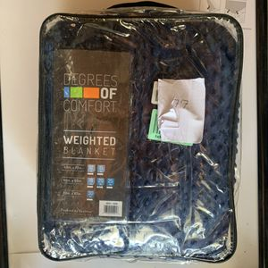 """Degrees of comfort weighted blanket 20lbs 60""""X 80"""" for Sale in Santa Barbara, CA"""