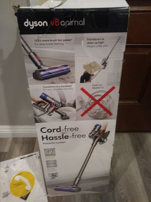 Dyson V8 Animal Cordless Vacuum. (Firm) for Sale in Gardena, CA