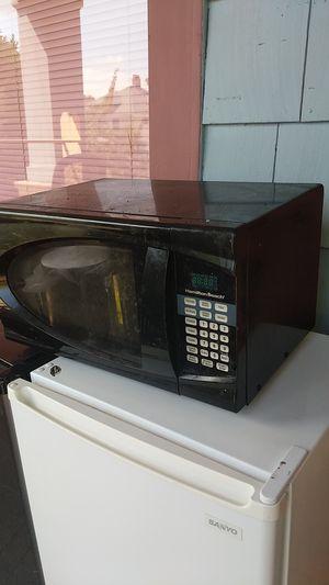 Microwave (good) Hamilton Beach for Sale in Seattle, WA