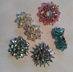 Vintage crystal faceted cluster bead LOT 3 brooches 2 pairs of earrings for Sale in St. Pete Beach,  FL