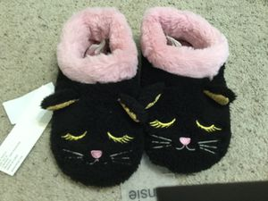 Kitten House Shoes for Sale in Amarillo, TX