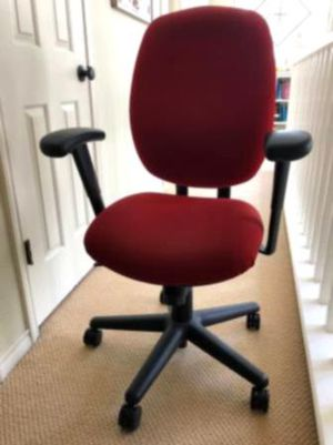 Home office desk and chair for Sale in Howardsville, VA