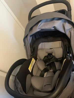 Car seat and stroller for Sale in Durham, NC