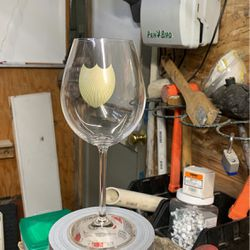 """Dom Perignon """"Gold Logo"""" 6-Pack Wine Glasses for Sale in Wenatchee,  WA"""