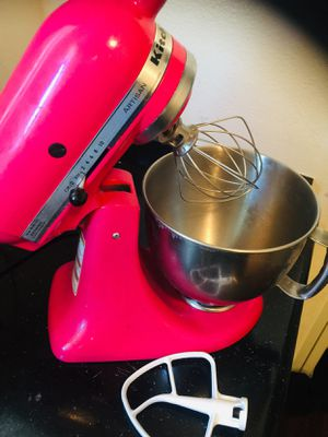 Pink kitchen aid stand mixer for Sale in Los Angeles, CA