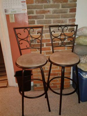 2 chairs for Sale in Cleveland, OH
