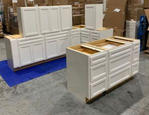 KITCHEN CABINETS BRAND NEW for Sale in Hallandale Beach, FL