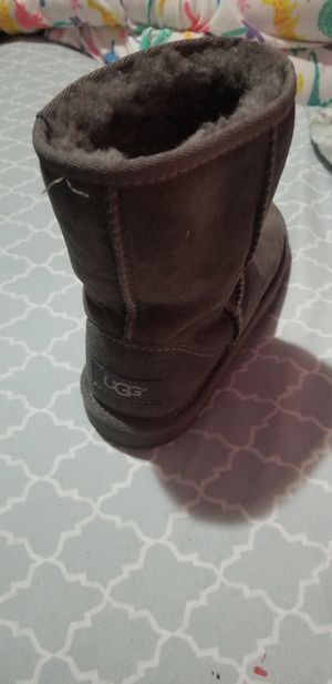 Ugg Girls size 1 for Sale in New York, NY