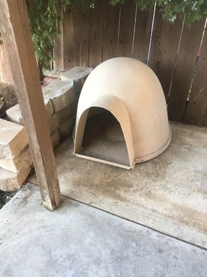 Medium Dog House for Sale in Moreno Valley, CA