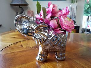 Elephant Vase with Silk Flowers for Sale in Bonney Lake, WA