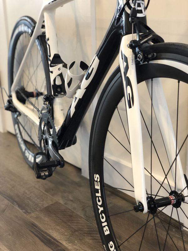 Full carbon SRAM RED road bike