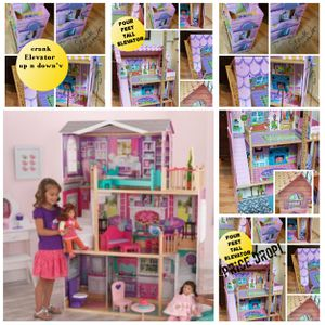 Doll house Excellent condition four feet tall new condition for Sale in Hillsborough, NC