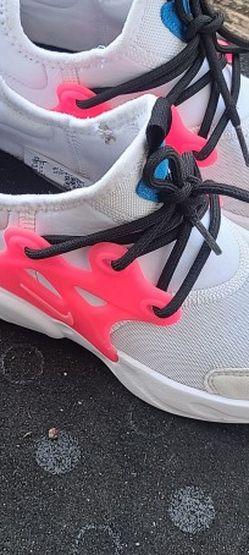 Nike React Presto sz 3y for Sale in College Park,  GA
