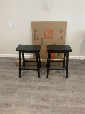 Two black barstools- FREE for Sale in Los Angeles, CA