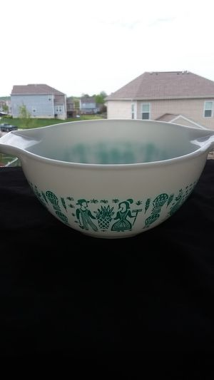 Pyrex Butterprint Bowl for Sale in Pataskala, OH