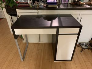 Computer desk for Sale in Hayward, CA