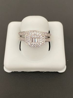 925 sterling silver Ring set for women size 8 for Sale in Los Angeles, CA