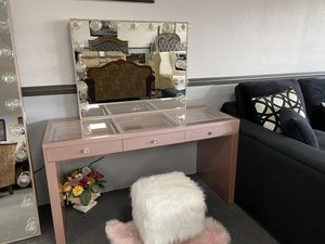 Rose Gold Hollywood Vanity ON SALE🔥 for Sale in Fresno, CA