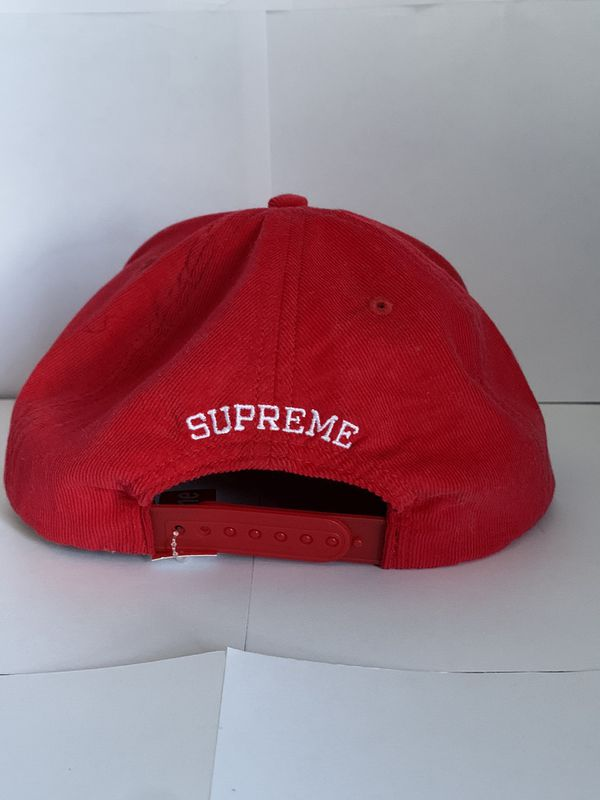 Supreme hat new with tags