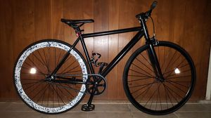 "Black Authentic Aluminum Feather-Weight ""Sole"" Fixie Single-Speed Bike M Size 52 In Excellent Condition 10/10. for Sale in Los Angeles, CA"