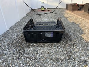Chevy Colorado 2016-2019 6ft truck bed liner for Sale in Roselle Park, NJ