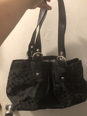 Large coach purse for Sale in Los Angeles, CA