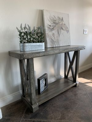 Entry table for Sale in Bakersfield, CA