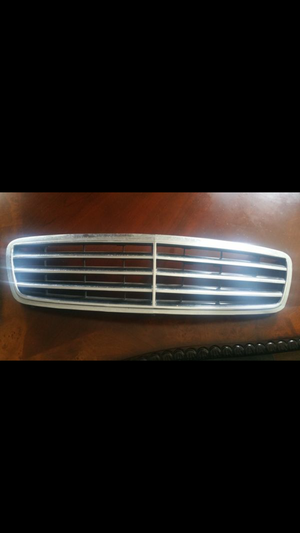 Mercedes Benz E320 parts 96-02 for Sale in Houston, TX