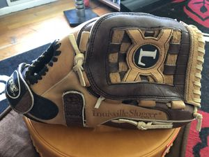 "Louisville Slugger Catalyst 12.5"" baseball/ softball glove for Sale in Falls Church, VA"