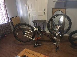 Mountain bike (skinny rims - n regular rims ) for Sale in South Houston, TX