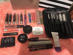 Makeup and brushes for Sale in Culver City, CA