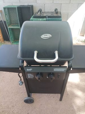 BBQ grill in great condition clean and ready no tank must pick up in Mesa for Sale in Mesa, AZ