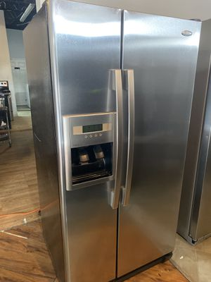 """Whirlpool stainless steel refrigerator 33"""" wide in perfect condition and 3 months warranty. We have delivery service available for Sale in Fort Lauderdale, FL"""