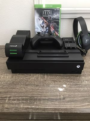 Xbox One X (1TB) Bundle for Sale in Riverside, CA