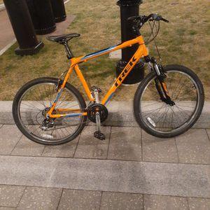 Trek 3500 Bright Orange Mountain Bike for Sale in Chelsea, MA